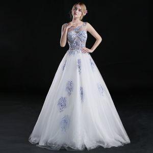 Chinesischer Stil A Linie Ballkleider 2017 Rundhalsausschnitt Ärmellos Stickerei Blumen Perlenstickerei Weiß Organza Festliche Kleider