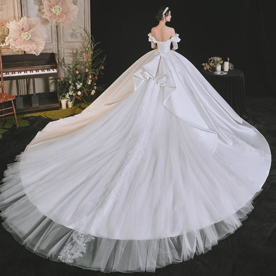 Luxury / Gorgeous White Satin Bridal Wedding Dresses 2021 Ball Gown Off-The-Shoulder 1/2 Sleeves Backless Appliques Lace Handmade  Beading Royal Train Ruffle