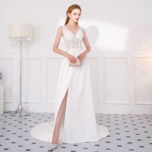 Modern / Fashion Ivory Evening Dresses  2018 A-Line / Princess Lace Flower Split Front V-Neck Backless Sleeveless Court Train Formal Dresses