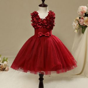 Chic / Beautiful Hall Wedding Party Dresses 2017 Flower Girl Dresses Burgundy Short Ball Gown Cascading Ruffles V-Neck Sleeveless Bow Rhinestone Appliques Flower