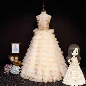 Luksusowe Szampan Sukienki Dla Dziewczynek 2019 Princessa Wycięciem Bez Rękawów Aplikacje Z Koronki Perła Rhinestone Długie Kaskadowe Falbany Bez Pleców Sukienki Na Wesele