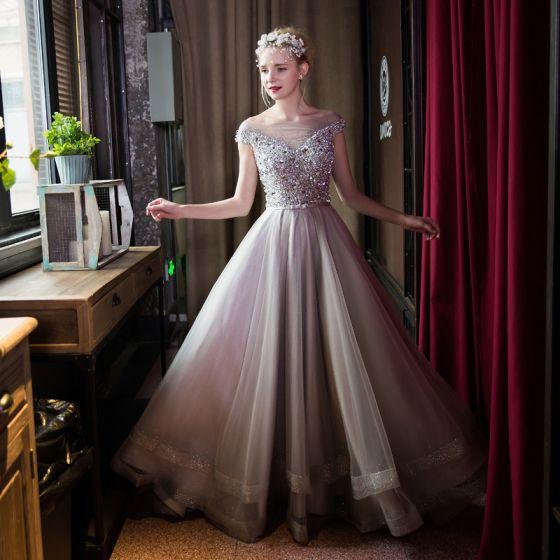 Piękne Sukienki Wizytowe 2017 Sukienki Na Bal Szary Princessa Trenem Sweep Kwadratowy Dekolt Kótkie Rękawy Bez Pleców Aplikacje Perła Kryształ Cekiny