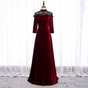 Élégant Bordeaux Robe De Soirée 2020 Princesse Daim Col Haut Perlage Faux Diamant 3/4 Manches Longue Robe De Ceremonie