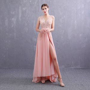 Sexy Pearl Pink Evening Dresses  2019 A-Line / Princess Deep V-Neck Sleeveless Appliques Lace Rhinestone Split Front Sweep Train Ruffle Backless Formal Dresses