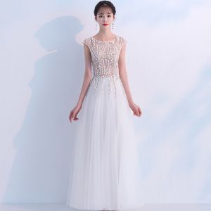 Illusion Champagne Evening Dresses  2018 A-Line / Princess Scoop Neck Sleeveless Appliques Lace Floor-Length / Long Ruffle Formal Dresses