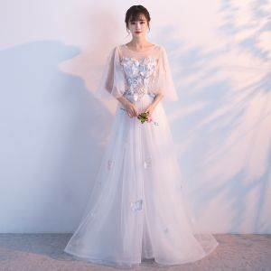 Élégant Blanche Robe De Soirée 2017 Princesse Encolure Dégagée 3/4 Manches Appliques Papillon Fleur Perle Chapel Train Volants Dos Nu Percé Robe De Ceremonie