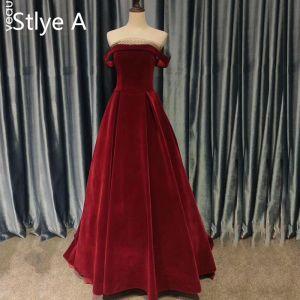 Vintage / Retro Burgundy Evening Dresses  2020 A-Line / Princess Suede Off-The-Shoulder Sleeveless Backless Tea-length Formal Dresses