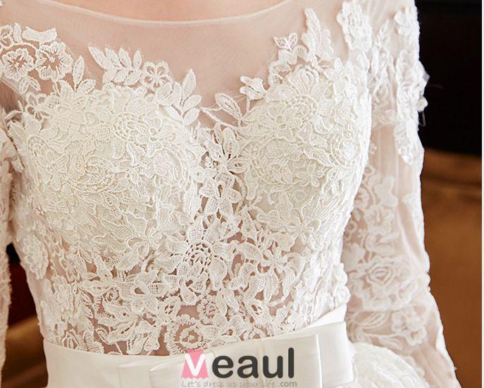 2016 Balle De Luxe Robe Dos Nu Robe De Mariée En Dentelle Soluble Avec Ceinture