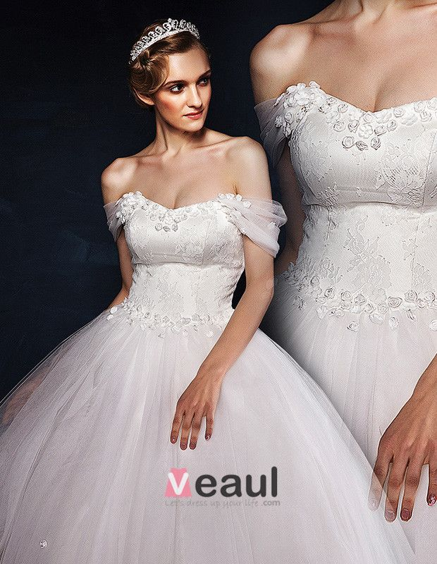 2015 Ball Gown Square Shoulder Strapless Lace Embroidered Flowers Tulle Wedding Dress