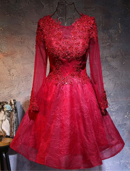Beautiful Party Dresses 2017 Scoop Neck Applique Burgundy Lace Short Dress With Sleeves