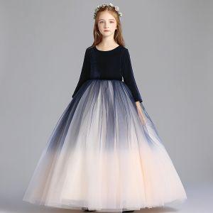 Schlicht Marineblau Farbverlauf Champagner Blumenmädchenkleider 2019 A Linie Rundhalsausschnitt 3/4 Ärmel Lange Rüschen Kleider Für Hochzeit