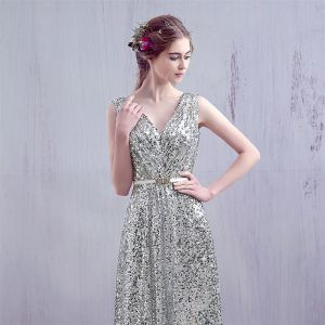 Sparkly Silver 2017 Evening Dresses  V-Neck Lace Backless Glitter Homecoming A-Line / Princess Party Dresses