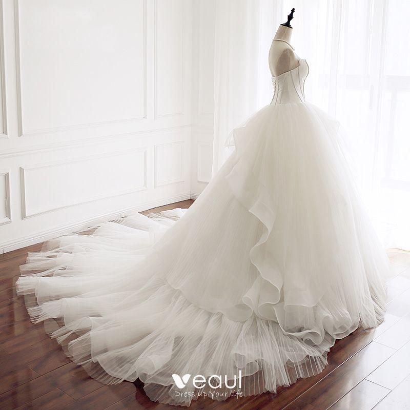Chic / Beautiful Ivory Wedding Dresses 2018 Ball Gown Amazing / Unique Sweetheart Sleeveless Backless Chapel Train Wedding