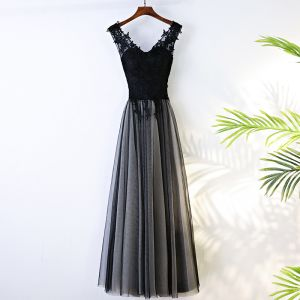 Chic / Beautiful Black Evening Dresses  2017 A-Line / Princess V-Neck Crossed Straps Tea-length Appliques Sleeveless Lace Tulle Evening Party