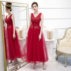 Chic / Beautiful Red Evening Dresses  2020 A-Line / Princess V-Neck Sleeveless Appliques Lace Flower Beading Pearl Ankle Length Ruffle Backless Formal Dresses