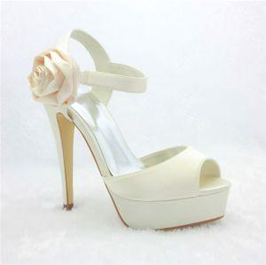 Belles Chaussures De Mariée Sandales Talons Aiguilles Ivory Plateforme Avec Fleur