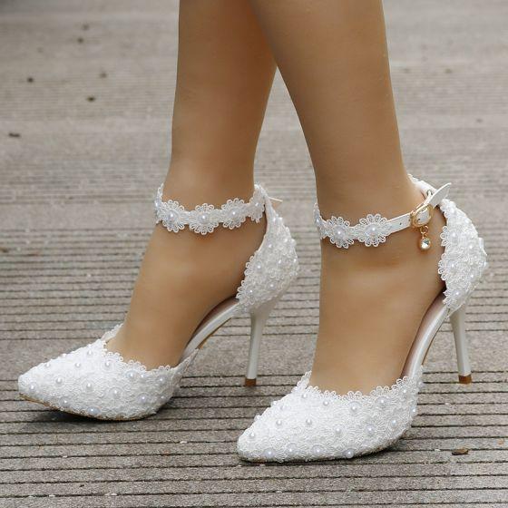 Charmant Ivoire Chaussure De Mariée 2018 En Dentelle Faux Diamant Perle Bride Cheville 9 cm Talons Aiguilles Mariage
