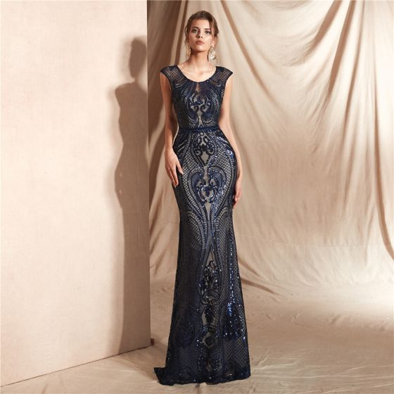 Eleganckie Granatowe Przezroczyste Koronkowe Sukienki Wieczorowe 2020 Syrena / Rozkloszowane Wycięciem Bez Rękawów Cekiny Długie Wzburzyć Sukienki Wizytowe