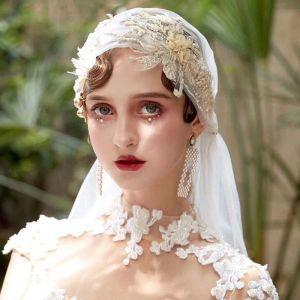 Stylowe / Modne Białe Krótkie Welony Ślubne 2020 Wykonany Ręcznie Tiulowe Frezowanie Haftowane Perła Ślub Akcesoria