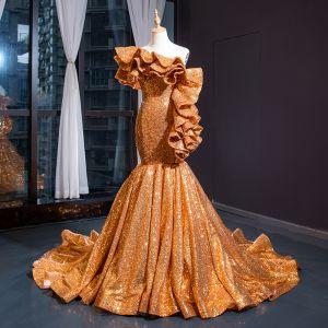Brillante Oro Lentejuelas Vestidos de noche 2020 Trumpet / Mermaid Un Hombro Manga Corta Chapel Train Ruffle Sin Espalda Vestidos Formales