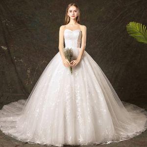 Elegante Ivory / Creme Brautkleider / Hochzeitskleider 2019 Ballkleid Herz-Ausschnitt Spitze Star Ärmellos Rückenfreies Kathedrale Schleppe