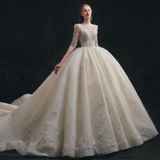 Lyx Glittrande Elfenben Bröllopsklänningar 2021 Balklänning Urringning Beading Pärla Paljetter Rosett 1/2 ärm Halterneck Royal Train Bröllop