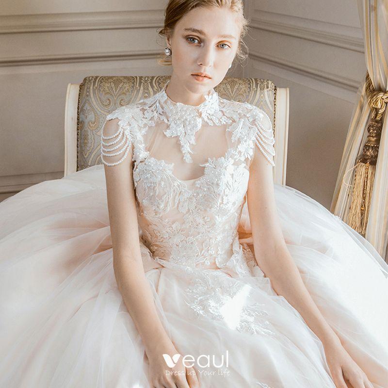 Elegantes Champán Vestidos De Novia 2018 Ball Gown Con Encaje Flor Perla Cuello Alto Sin Espalda Sin Mangas Cathedral Train Boda