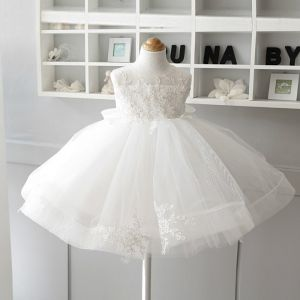 Chic / Beautiful Ivory Flower Girl Dresses 2020 Ball Gown Scoop Neck Sleeveless Appliques Lace Bow Short Ruffle Wedding Party Dresses