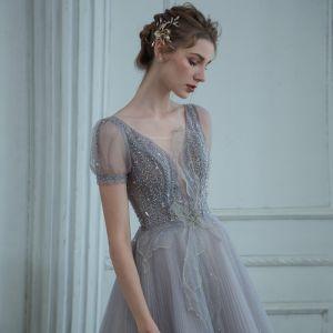 Wysokiej Klasy Szary Taniec Sukienki Na Bal 2020 Princessa Przezroczyste Głęboki V-Szyja Kótkie Rękawy Frezowanie Cekinami Tiulowe Długie Wzburzyć Bez Pleców Sukienki Wizytowe