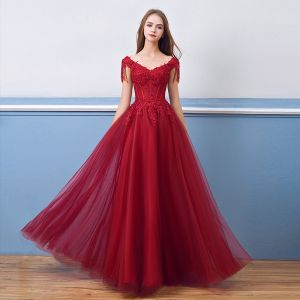 Chic / Beautiful Burgundy Evening Dresses  2018 A-Line / Princess Beading Crystal Tassel Lace Appliques V-Neck Backless Short Sleeve Floor-Length / Long Formal Dresses
