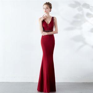 Chic / Beautiful Solid Color Burgundy Evening Dresses  2019 Trumpet / Mermaid V-Neck Beading Crystal Sleeveless Backless Floor-Length / Long Formal Dresses