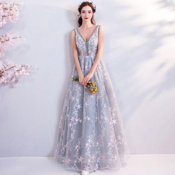 Chic / Beautiful Grey Evening Dresses  2018 Empire V-Neck Sleeveless Star Appliques Beading Floor-Length / Long Ruffle Backless Formal Dresses