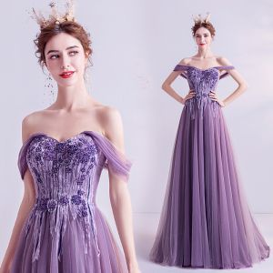 Elegant Grape Evening Dresses  2020 A-Line / Princess Off-The-Shoulder Short Sleeve Appliques Lace Beading Sweep Train Ruffle Backless Formal Dresses
