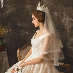 Stylowe / Modne Szampan Ślub Koronkowe Tiulowe Haftowane 1.5 m Krótkie Welony Ślubne 2019