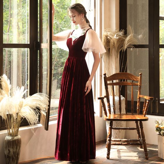 Chic / Beautiful Burgundy Velour See-through Evening Dresses  2020 A-Line / Princess High Neck Short Sleeve Appliques Lace Floor-Length / Long Formal Dresses