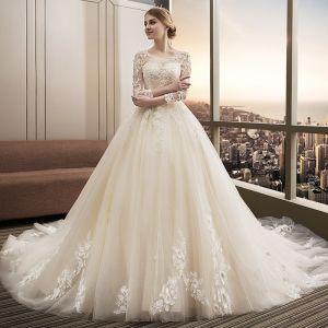 Snygga / Fina Champagne Bröllopsklänningar 2018 Balklänning Spets Appliqués Paljetter Urringning Halterneck 3/4 ärm Cathedral Train Bröllop