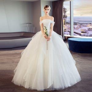 Elegante Ivory / Creme Brautkleider / Hochzeitskleider 2018 Ballkleid Rüschen Off Shoulder Kurze Ärmel Lange Hochzeit