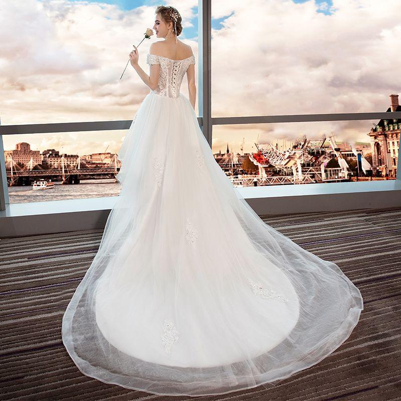 Wysoka Niska  Lato Białe Plaża Suknie Ślubne 2018 Princessa Przy Ramieniu Kótkie Rękawy Bez Pleców Aplikacje Z Koronki Cekiny Frezowanie Wzburzyć Asymetryczny