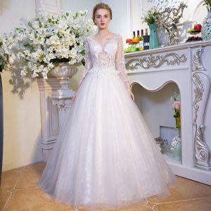 Unique Blanche Robe De Mariée 2017 Princesse V-Cou Dentelle Dos Nu Perlage Paillettes Mariage