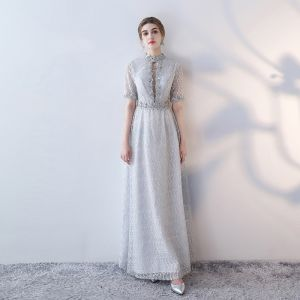 Classique Élégant Gris Robe De Soirée 2017 Princesse Dentelle Col Haut Appliques Dos Nu Perlage Fait main Soirée Robe De Ceremonie