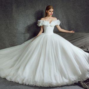 Étourdissant Cendrillon Robe De Mariée 2017 Princesse De l'épaule Manches Courtes Papillon Dos Nu Volants Blanche Organza Chapel Train