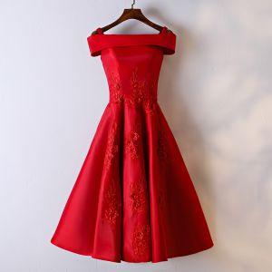Schöne Rot Festliche Kleider Abendkleider 2017 Mit Spitze Blumen Eckiger Ausschnitt Schultern Ärmellos Kurze A Linie