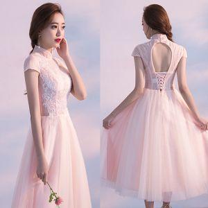 Piękne Homecoming Sukienki Na Studniówke 2017 Rumieniąc Różowy Princessa Długość Herbaty Wysokiej Szyi Kótkie Rękawy Bez Pleców Z Koronki Aplikacje Sukienki Wizytowe