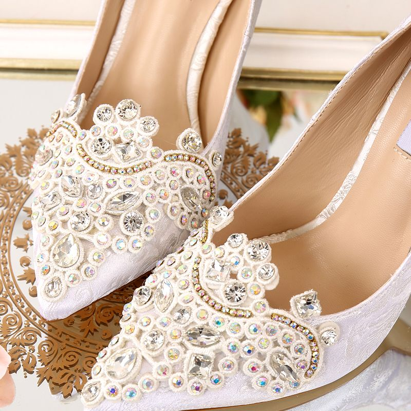 Chic / Beautiful 2017 9 cm Red White Church Satin Chiffon Rhinestone High Heels Stiletto Heels Pumps Wedding Shoes