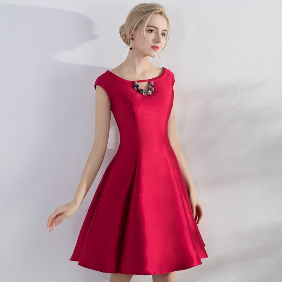 Chic / Beautiful Red Homecoming Bridesmaid Dresses 2017 A-Line / Princess Rhinestone Crossed Straps Scoop Neck Short Sleeve Short