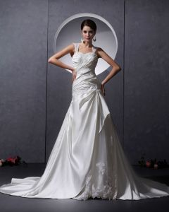 Applique Yarn Satin Ruffles Beading Sleeveless Sweetheart Chapel Train A-Line Wedding Dresses