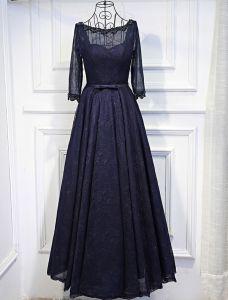 Elegante Abendkleider 2017 Sicken Rundhalsausschnitt Rüsche Marineblau Spitze Rückenfreies Kleid