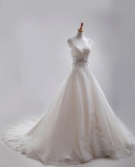 A-line Square Monark Tag Satin Organza Broderi Beading Brudklänningar Bröllopsklänningar