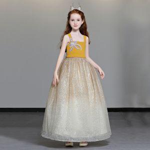 Schöne Gelb Blumenmädchenkleider 2019 A Linie Schultern Ärmellos Perlenstickerei Glanz Tülle Lange Rüschen Rückenfreies Kleider Für Hochzeit