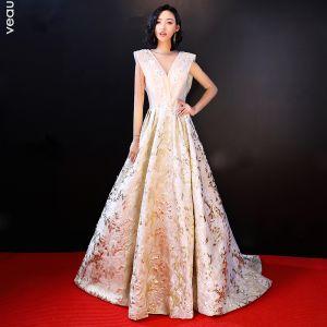 Luksus Champagne Selskapskjoler 2018 Prinsesse Blonder Appliques Beading Perle Paljetter V-Hals Ryggløse Uten Ermer Feie Tog Formelle Kjoler